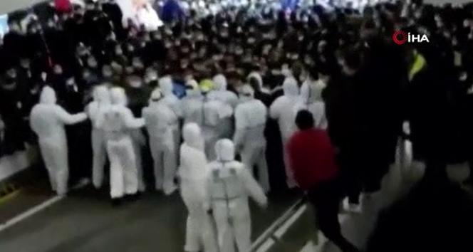 Çin'deki havalimanında karantinaya alınan 14 bin kişi kaçmaya çalıştı
