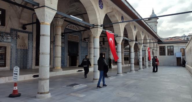 Rüstempaşa Camisi 4 yıl sonra ibadete açıldı