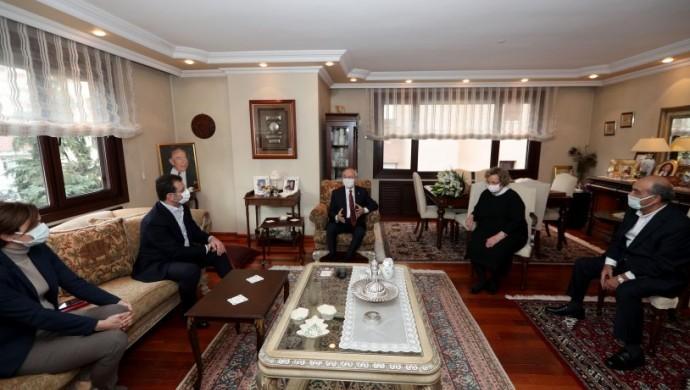 Kılıçdaroğlu'na ziyaret tepkisi: Sisteme ruhu ile teslim olan bir yerde