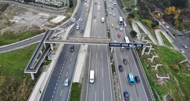 İstanbul'da Dünya Engelliler Günü'nde pes dedirten görüntü: O üst geçit 1 yıl geçmesine rağmen hala yapılmadı