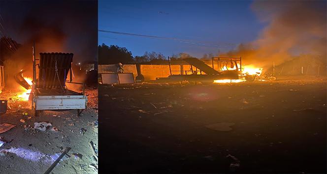 Bağdat'taki Yeşil Bölge'yi hedef alan saldırı sonucu araçlar alev aldı