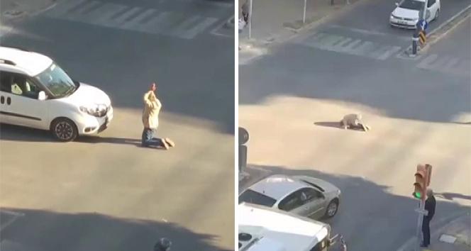 Cadde ortasında ne yaptığına kimse anlam veremedi