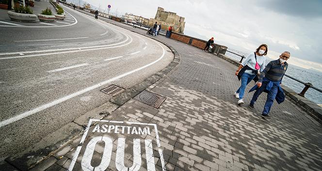 İtalya'da son 24 saatte 33 bin 979 yeni vaka