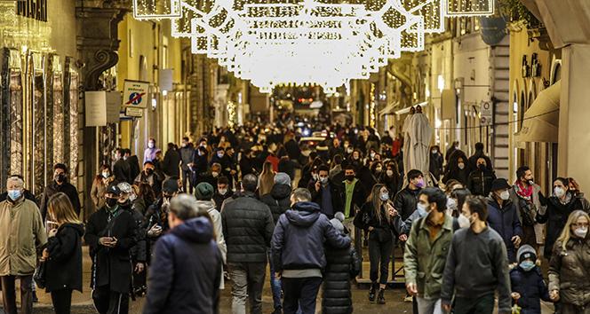 İtalya'da son 24 saatte Covid-19'a bağlı 627 ölüm