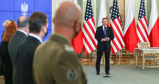 Polonya Devlet Başkanı Duda, ABD ile imzalanan savunma anlaşmasını onayladı