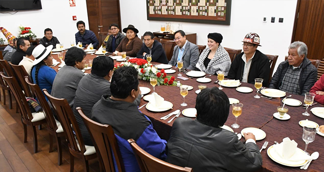 Bolivya'da darbeyle görevden alınan Morales, sürgünün ardından yeniden Başkanlık Sarayı'nda