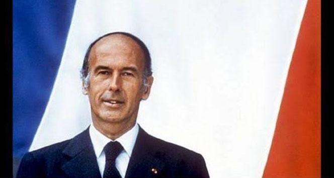 Eski Fransa Cumhurbaşkanı Valery Giscard d'Estaing koronavirüsten hayatını kaybetti