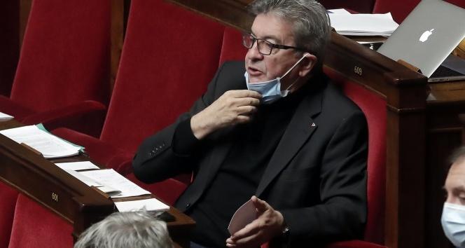 Fransa'da solcu lider Melenchon'dan hükümete 'güvenlik yasasını çöpe at' çağrısı