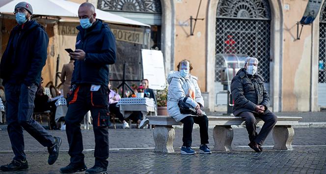 İtalya'da Covid-19'a bağlı can kayıpları dalgalı seyrediyor