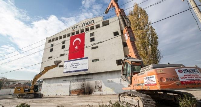 İzmir'in kalbinde kentsel dönüşüm için ilk yıkım