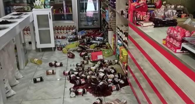 Siirt'teki deprem, bazı ev ve iş yerlerinde hasara neden oldu