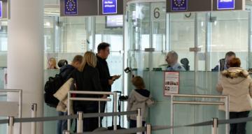 Almanya'da bir Türk sahte test sonucu belgesiyle uçağa binmeye çalıştı