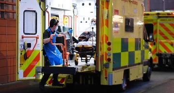 İngiltere'de Covid-19 salgınının başından bu yana en yüksek can kaybı