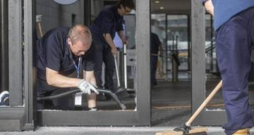 Yeni Zelanda parlamentosuna baltalı saldırı